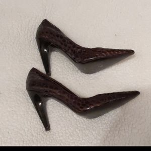 BCBG Girls Close toe Pointed Sz 8.5B Leather Upper
